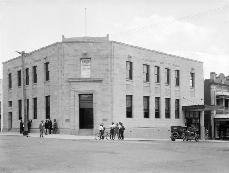 Ipswich Commownealth Bank building early 1930s courtesy Picture Ispwich